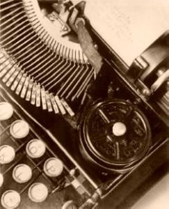 modotti_typewriter-sepia
